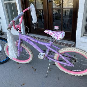 Girls Bike 20 in Majestic Bicycle for Sale in Saint Amant, LA