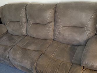 Electric Reclining Brown Couch for Sale in Berkeley,  CA