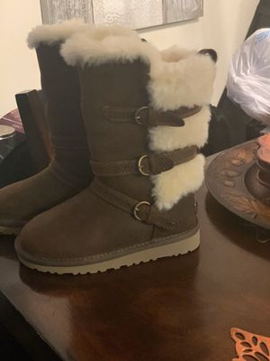 Girls size ugg for Sale in Capitol Heights, MD