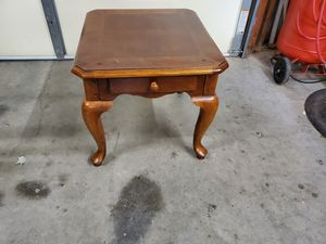 Wood end table with drawer for Sale in Stockbridge, GA