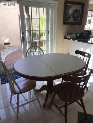 5 piece breakfast table for Sale in Los Angeles, CA