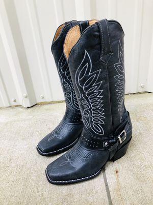 LYON BOOTS 100% LEATHER ENTREGAS HASTA TU CASA O TU TRABAJO !!! DISEÑOS EXCLUSIVOS 👢🤠🇺🇸 for Sale in Austin, TX