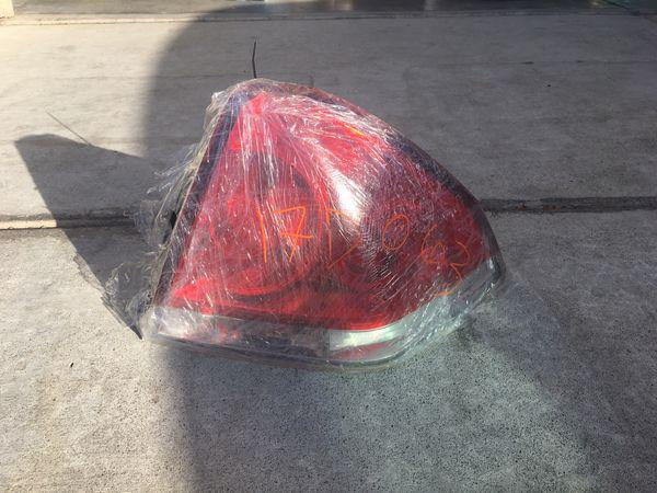 Headlight Halogen Right Passenger Fits 06-13 Chevrolet Impala/06-07 Monte Carlo and passenger side tail light