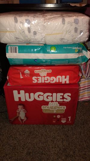 Pampers and buggies size 1 for Sale in Fresno, CA