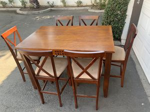 BEAUTIFUL HIGH DINING TABLE WITH 6 CHAIRS IN EXCELLENT CONDITION for Sale in Fresno, CA