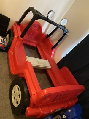 Jeep twin size bed with dresser for Sale in Pittsburgh, PA