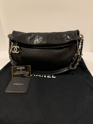 Chanel Sac Camera Lambskin Shoulder/ Hobo Bag AUTHENTIC LIKE NEW for Sale in San Diego, CA