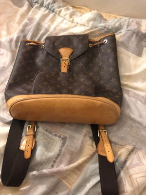 Louis Vuitton bag for Sale in Grayslake, IL
