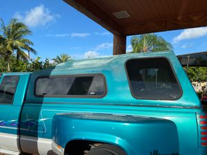 Camper para cama de camioneta de 8' de largo for Sale in Hialeah, FL
