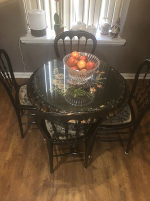 Unique Antique European/French Cafe/Dinette/ Small Area Dining Set for Sale in Sunrise, FL