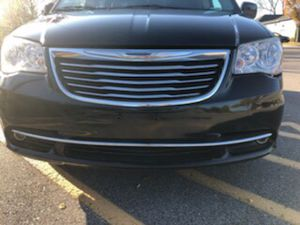 2014 chrysler town &country for Sale in Nashville, TN