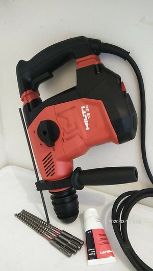 Te30 Rotary hammer chiping drill nuevo en caja for Sale in Long Beach, CA