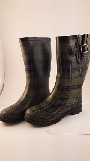 Size 7 womens Northside rain boots for Sale in Portland, OR