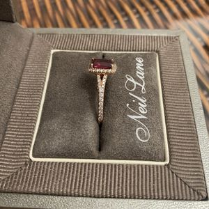 Women's Garnet Ring Size 8 for Sale in Cumberland, VA