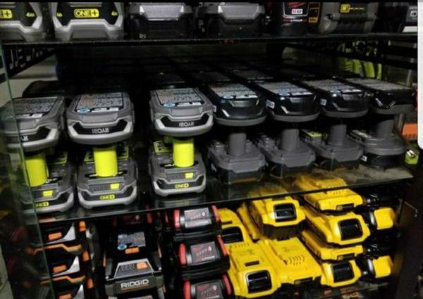 brand new batteries , ridgid , dewalt ,ryobi , milwaukee,black + decker and more