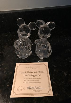Lenox Disney Mickey and Minnie salt/pepper set for Sale in Washington Township, NJ