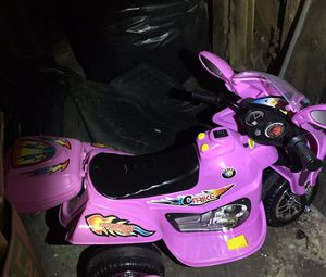 Battery operated motorcycles comes with outlet plug to recharge. for Sale in Johnson City, TN