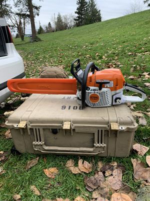 """STIHL MS 362C chainsaw with 20"""" bar, upgraded felling spikes, and full wrap handle. for Sale in Burlington, WA"""