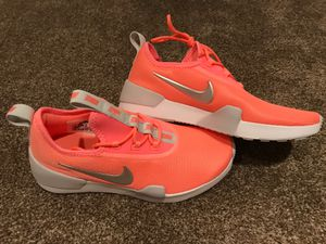 Peach Nike running shoes for Sale in Brentwood, CA