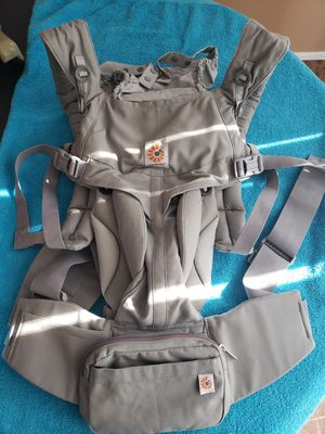 Ergo baby carrier for Sale in Sterling Heights, MI