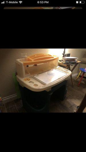 kids desk for Sale in Fontana, CA