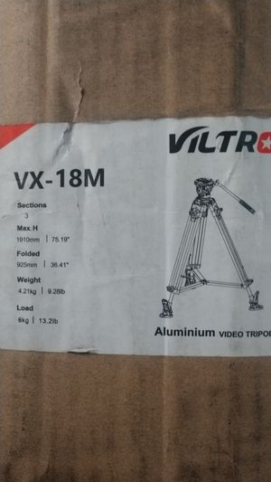 Video camera tripod for Sale in San Bernardino, CA