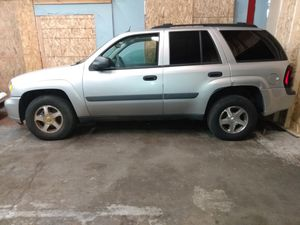 2006 Chevy trail Blazer 2 to choose from great winter transportation snow is right around the corner needs a little tlc ❄️❄️⛄ for Sale in Waterbury, CT