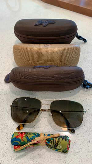 Maui Jim Breezeway Sunglasses Gold frame with Bronze lens for Sale in Tomball, TX
