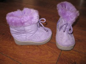 Baby Girl Toddler Boots Suede sz 5 for Sale in Los Angeles, CA