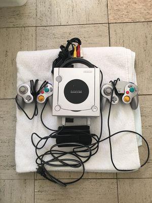 Nintendo GameCube - Platinum for Sale in Chicago, IL