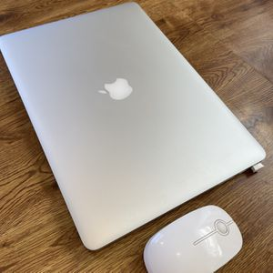 Mac Book Pro 15in 2015 ( With Mouse, Case) for Sale in Manhattan Beach, CA