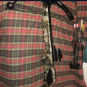 150lb Wildcat Compound Crossbow With Bag for Sale in Oklahoma City, OK