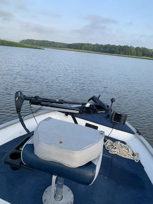 16 foot Gruman with a 70 hp Johnson asking 4300 obo for Sale in Spring Grove, VA