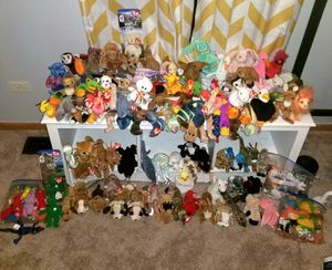 Lot of 200+ Beanie Babies (Rare/Tag Errors) Princess Diana, peace, claude , Valentino, iggy, gobbles for Sale in Plainfield, IL