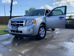 Ford Escape $5000. (Title in Hand) for Sale in Forney, TX
