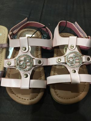 **Brand new** toddler girls sandals for Sale in Ontarioville, IL