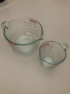 Pyrex mixing bowls set for Sale in New York, NY