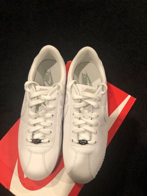 Nike-Cortez Leather 06 Woman SZ10 for Sale in Lacey, WA