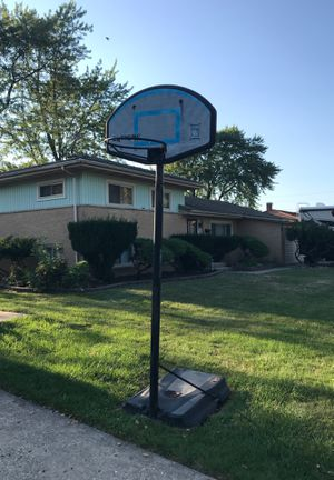 Basketball Hoop Very Used for Sale in Des Plaines, IL