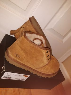 Size 7 uggs for Sale in Richmond, CA
