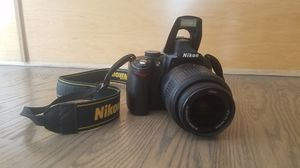 Nikon d5000 camera w/bag and tripod for Sale in Des Plaines, IL