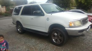 98 Ford Expedition 4x4 Tow Package for Sale in Graham, WA