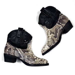Sam Edelman Stevie snakeskin cowgirl boots 6.5 for Sale in Lacey, WA