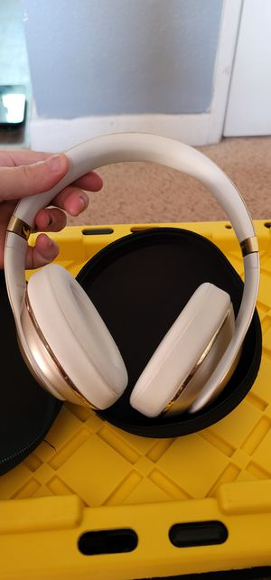 Wireless beats for Sale in National City, CA