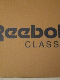 Mens Clean Leather White Reebok Classics for Sale in Decatur,  GA