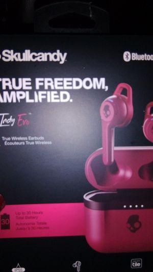 Skullcandy Bluetooth wireless headphones in d style true freedom amplified water resistant for Sale in Sand Springs, OK