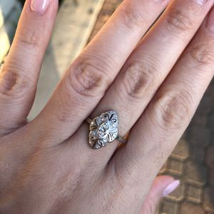 Beautiful Antique Vintage Platinum Ring With Natural Diamonds for Sale in Fresno, CA
