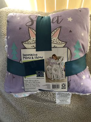 Decorative pillow & throw for Sale in Lakewood, WA