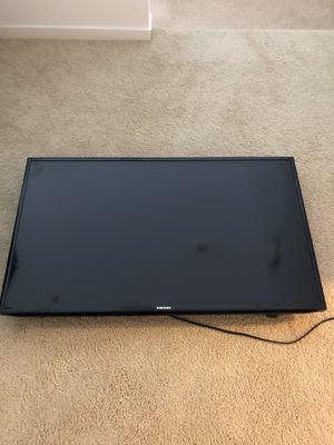 Samsung 47 inch Smart TV for Sale in Irvine, CA