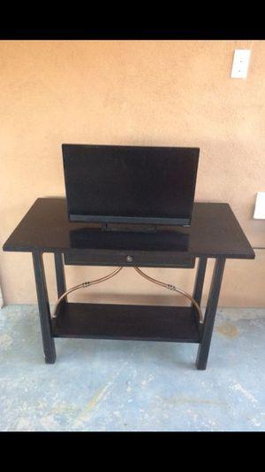 Tv stand / desk for Sale in Phoenix, AZ